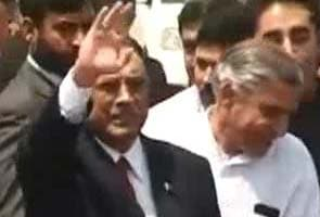 Asif Ali Zardari meeting PM at his residence; sources say Sonia Gandhi not attending lunch