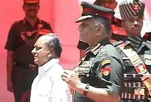 India's leaders dispute report of rift with Military