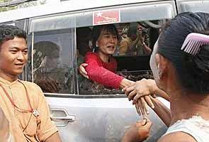 Western nations begin lifting sanctions against Myanmar