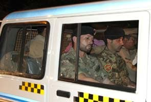 Court rejects Italian marines' bail plea, extends remand