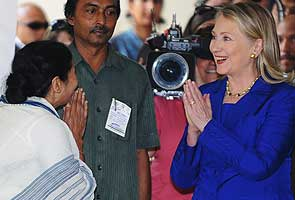 Hillary meets Mamata, FDI not discussed says chief minister