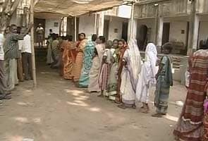Brisk polling amid sporadic violence in Bengal civic polls