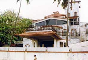 Rajesh Khanna's live-in partner sends notice over Aashirwaad