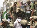 Taliban attack police in Pakistan, take hostages