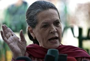 Sonia Gandhi-led council slams government on corruption