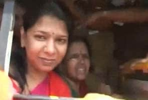 DMK cadres, who courted arrest with Kanimozhi and Stalin, released
