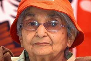 Freedom fighter Captain Lakshmi Sahgal dies