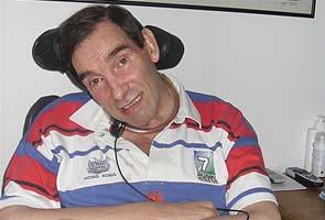 Man who fought euthanasia law dies
