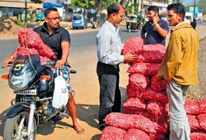 Onion shortage looms large over country due to patchy monsoon