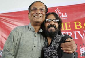Cartoonist Aseem Trivedi released from jail, says battle has just begun