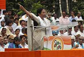 Mamata Banerjee's out, says she'll live like a tigress; UPA says it's safe on numbers