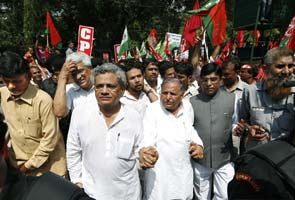 Freeze-frame moment of the day: When Mulayam held hands with Left