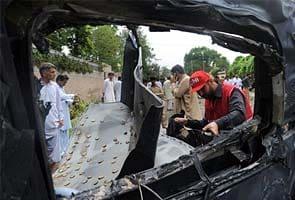 Car bomb hits US vehicle, kills 2 Pakistanis