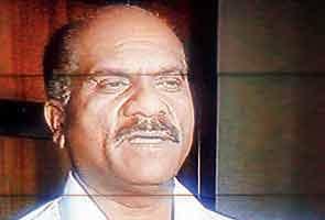 Mumbai's controversial cop Vasant Dhoble transferred