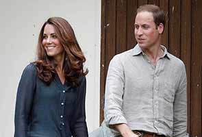 French magazine hands over topless Kate pics after ruling, says source