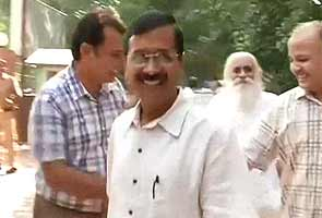 After meeting with Arvind Kejriwal, mentor Anna takes gentler tone