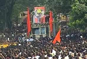 Bal Thackeray's funeral today: Stay home, say police; autos and taxis off roads
