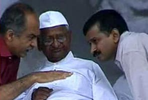 Anna Hazare claims 'India Against Corruption' name, Arvind Kejriwal says will oblige