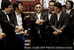 Psy brings some 'Gangnam Style' to Oxford University