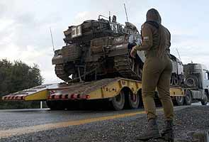 Israel fired warning shots into Syria: Army