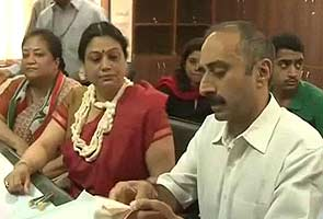 Gujarat polls: Suspended IPS officer Sanjiv Bhatt's wife to contest against Narendra Modi, files nomination papers