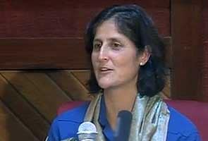 As she packs up her things, Sunita Williams says she just loves space