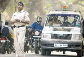 6 vehicles and 17 officers took Ajmal Kasab to his death