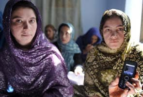'Ustad Mobile' teach Afghan women to read and write