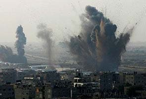 Israel airstrikes push Gaza toll above 100, no sign of truce yet