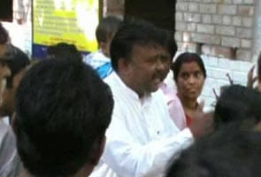 Trinamool Congress minister heckled by farmers in Singur