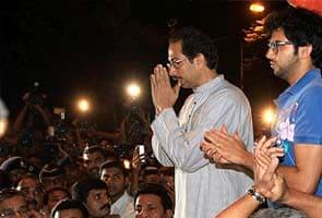 Bal Thackeray stable, says Shiv Sena; Mumbai resumes normal life