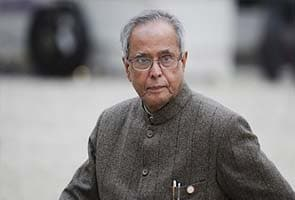 President Pranab Mukherjee worships at Lord Balaji temple