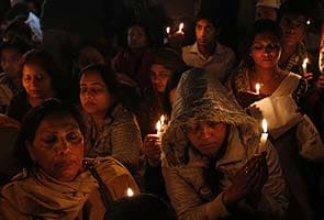 Student gang-raped on Delhi bus dies in Singapore hospital