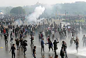 In India, demonstrators and police clash at rape protest