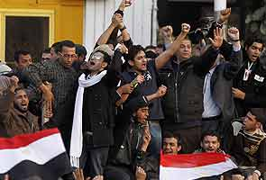 Egyptian protesters clash over draft charter