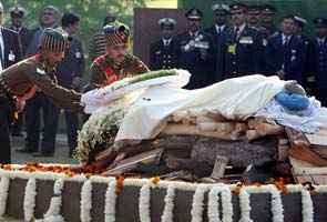 Inder Kumar Gujral cremated with full state honours
