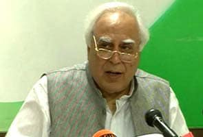 Roaming will be free from 2013: Kapil Sibal
