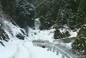 Fresh snowfall in Kashmir, Shimla