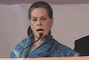 Sonia Gandhi campaigns in Gujarat, questions use of central funds