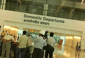 6 flights cancelled, 50 others hit in Delhi