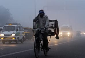 Delhi wakes up to a chilly, foggy New Year