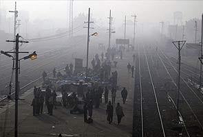 Fog hits train services, flights in Uttar Pradesh