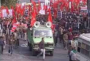 Left-Trinamool workers clash in Bengal, blame each other for the violence