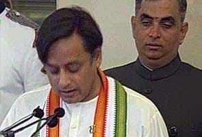 Once again, Shashi Tharoor's tweets provoke reprimand from Congress