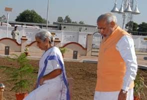 Supreme Court rules against Narendra Modi on Lokayukta, but slams Governor