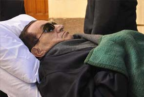 Egypt opens old wound with Hosni Mubarak's retrial