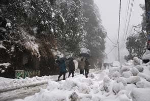 Snow, rain disrupts life in Himachal Pradesh