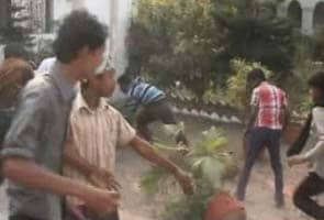 Congress minister watches as workers attack District Collector's home in West Bengal
