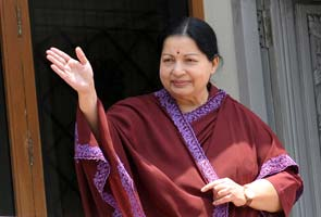 Jayalalithaa turns 65; says best gift would be Lok Sabha victory in 2014
