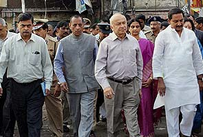 Hyderabad bomb blasts: Would you like a street number in intel alerts, BJP asks Home Minister Sushil Kumar Shinde